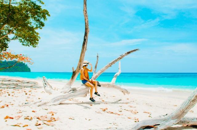 Blue,Sky,And,Sea.,Koh,Rok,Island,,Krabi,,Thailand