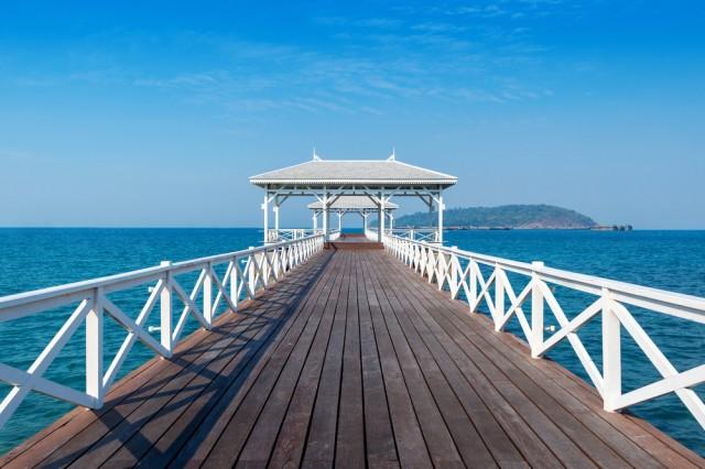 Wood,Waterfront,Pavilion,In,Koh,Si,Chang,Island,,Thailand.,Asdang