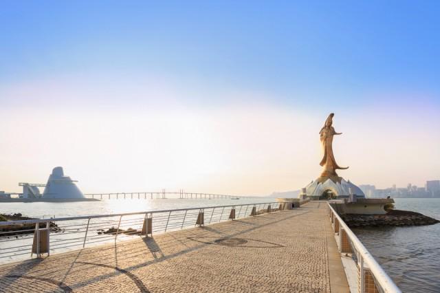 4.รูปปั้นเจ้าแม่กวนอิมกลางทะเล
