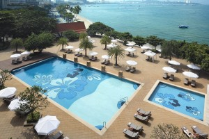 dusit-thani-pattaya_facilities_chaba-pool.jpg