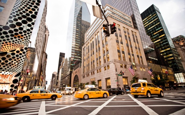 New,York,-,July,21:,Yellow,Taxis,Rides,On,5th