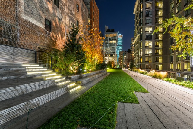 The,High,Line,Promenade,Illuminated,In,Evening,Surrounded,By,Modern