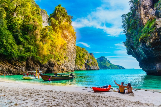 Landscape,Of,Natural,Sea,Beach,On,Small,Island,,Activity,Happy