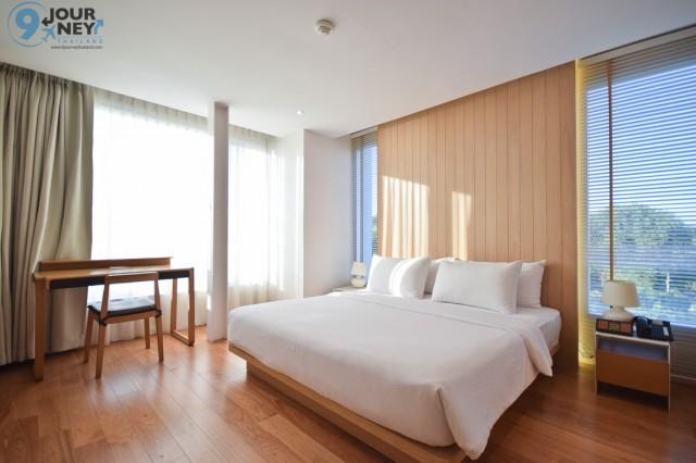 Room (10)