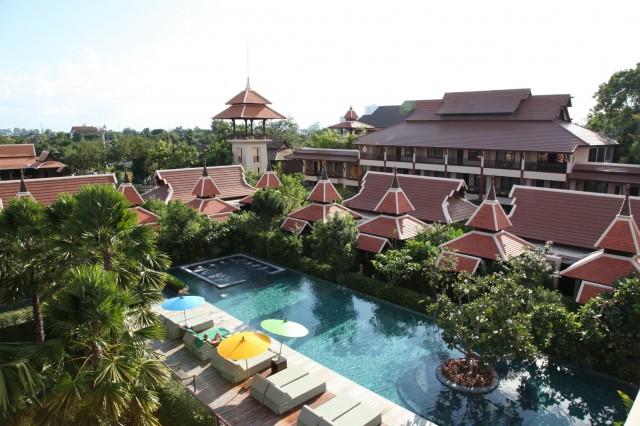 Swimming_pool_at_Siripanna_1
